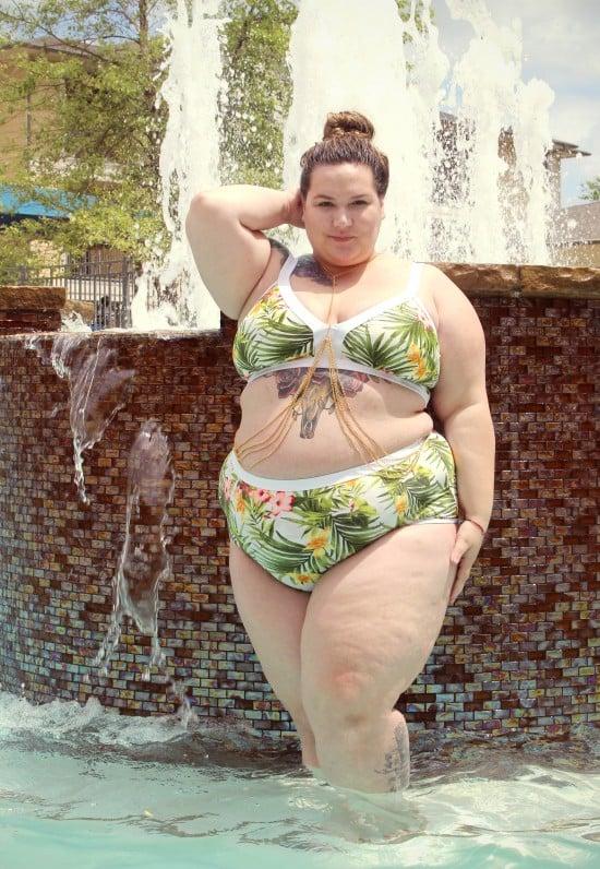 Plus size bikini || fatgirlflow.com