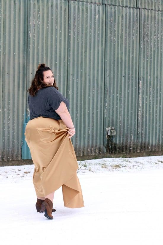 Rebdolls plus size gold satin maxi skirt // fatgirlflow.com