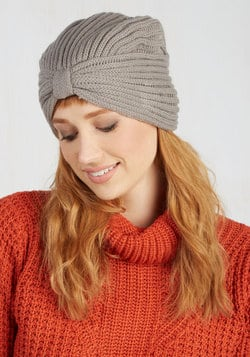 My Favorite Winter Accessories // Fatgirlflow.com