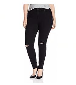 Destructed skinny jeans // Fatgirlflow.com